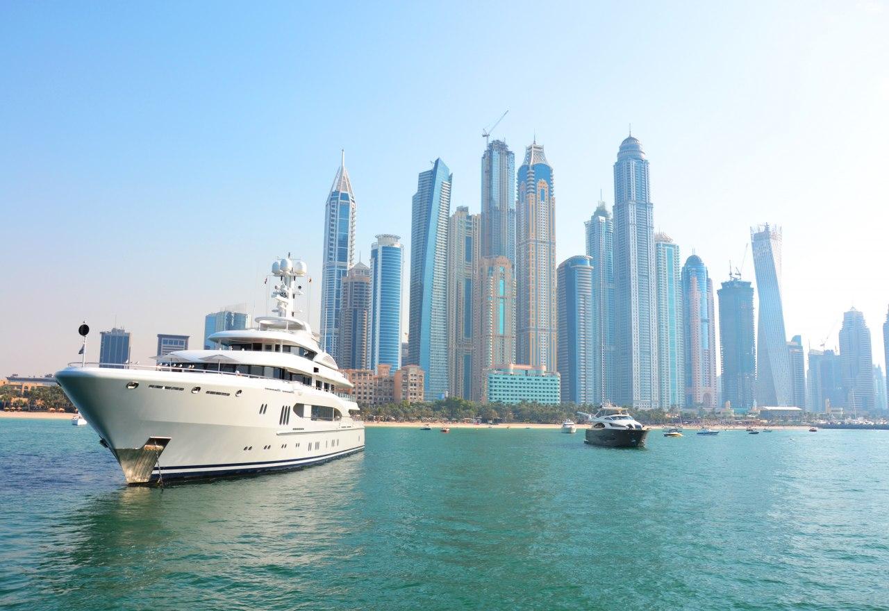 Renting A Yacht In Dubai